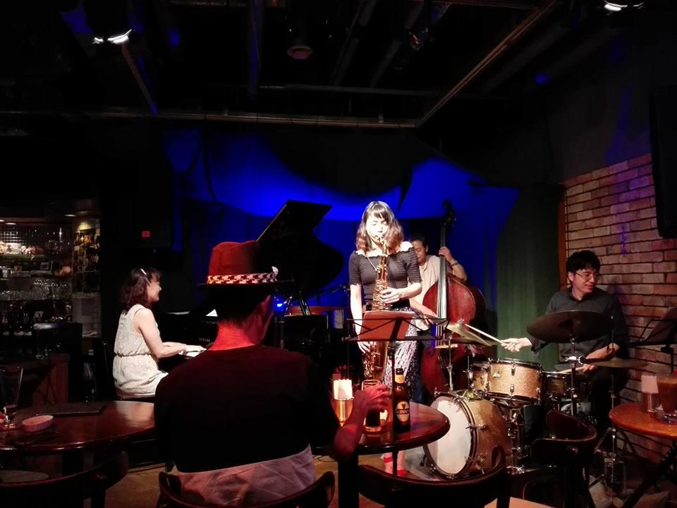 横原由梨子 + Dear Blues でした。