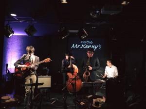 伊藤寛哲カルテット@Mr.Kenny's オリジナルをやったり、アレンジものも面白い曲を持ってくる寛哲くんです。